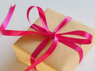 Best Ways to Wrap A Gift